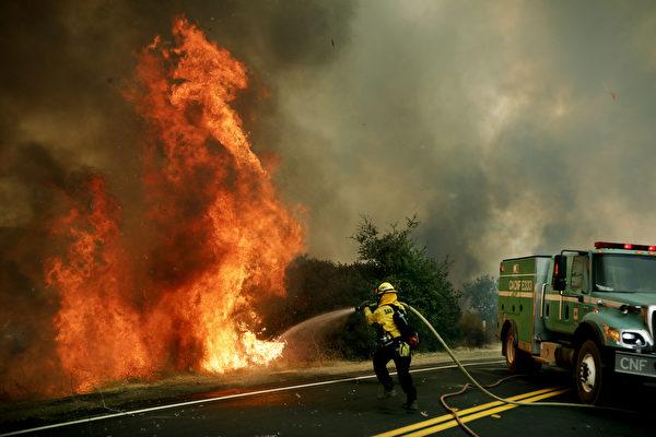 组图:加州野火蔓延 电力供应更显困难