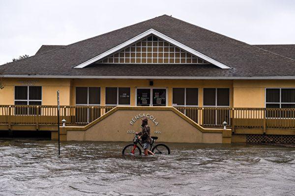 组图:萨利飓风袭击美国佛州及阿拉巴马州