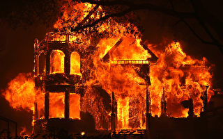 """组图:加州""""酒乡""""遭大火袭击 数百家庭撤离"""