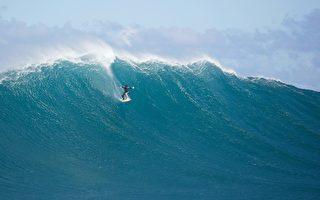 夏威夷冲浪板两年后漂至8千里外的菲律宾