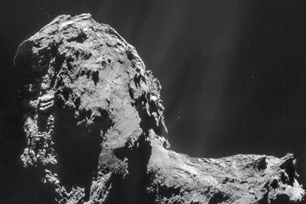 獨一無二 彗星周圍首次觀測到神祕的極光