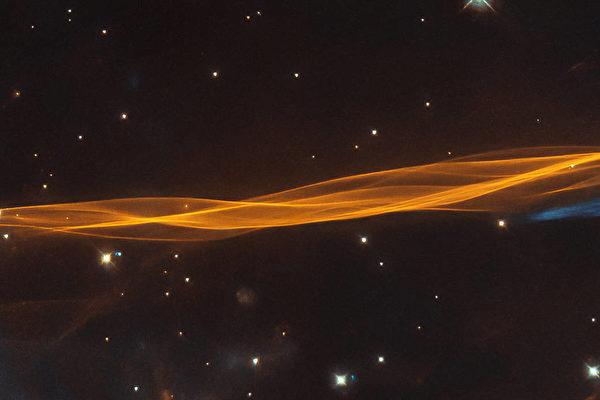1.5萬年前就能看到 哈勃拍下超新星爆炸靚照
