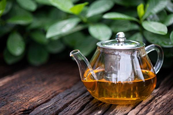 素食和水果食用不当,也可能吃出脂肪肝,一杯茶饮可以消肝脏脂肪。(Shutterstock)