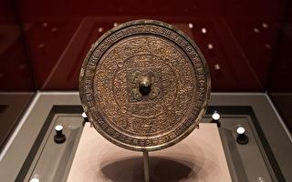 中國古代神奇的透光鏡 會呈現背面圖案