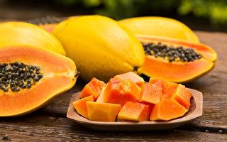 """木瓜又称""""万寿果"""",富含抗氧化成分有保护心血管及预防癌症的效果。(Shutterstock)"""