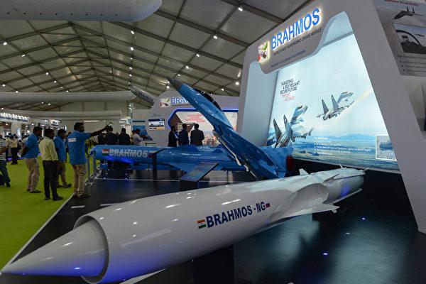 印度成功试射新型超音速导弹 向中共释何信号