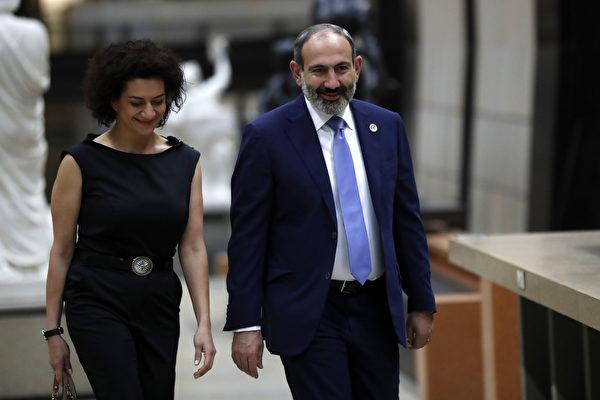 亞美尼亞總理夫人接受訓練 擬率娘子軍出征