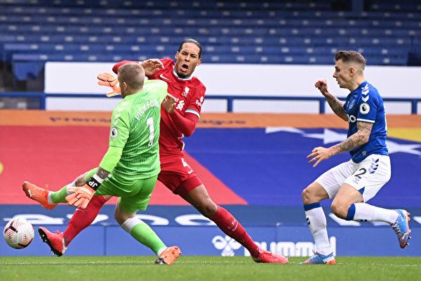 埃弗頓戰平利物浦領跑英超 熱刺被連灌三球