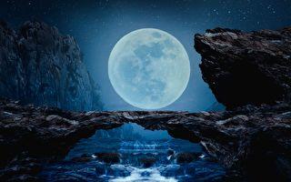 攝影師捕捉絕美場景 走繩高手如同走在月亮裡