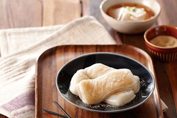 """【省时早餐】2种材料免油炸""""脆皮蜜糖年糕"""""""