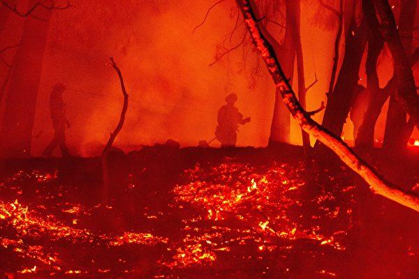 西尔维拉多大火蔓延 加州尔湾6万人需疏散