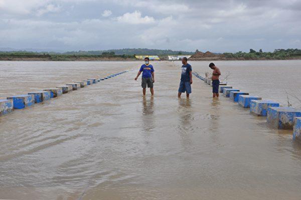 颱風天鵝逼近 菲律賓下令逾20萬人疏散