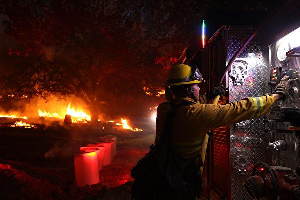 加州野火烧毁面积破纪录 两月烧掉一个康州