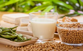 常摄取几类食物,能帮助清理血液中的胆固醇和三酸甘油脂。(Shutterstock)