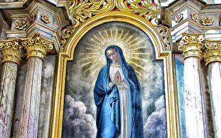 13年前圣母粉笔画像重现 墨西哥民众称神迹