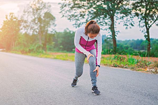 肌肉流失严重,不仅容易引起失能、跌倒,甚至还会增加糖尿病风险。(Shutterstock)