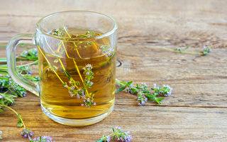 百里香纯露以它温和的杀菌、抗病毒效果而闻名。(Shutterstock)