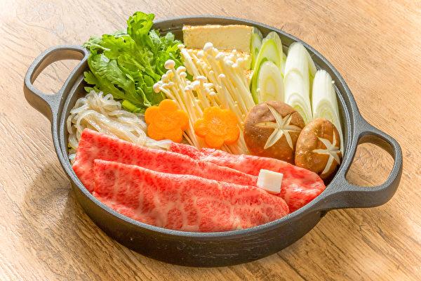 自己在家煮饭时,简单的低糖餐就是火锅。(Shutterstock)