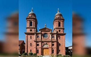阿什维尔圣劳伦斯教堂的静谧、美、真理