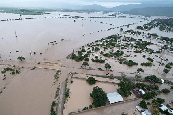 组图:飓风艾奥塔侵袭中美洲 至少40人死亡
