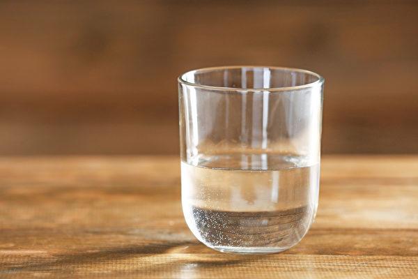 """水为""""百药之王"""",怎样喝水才养生?(Shutterstock)"""