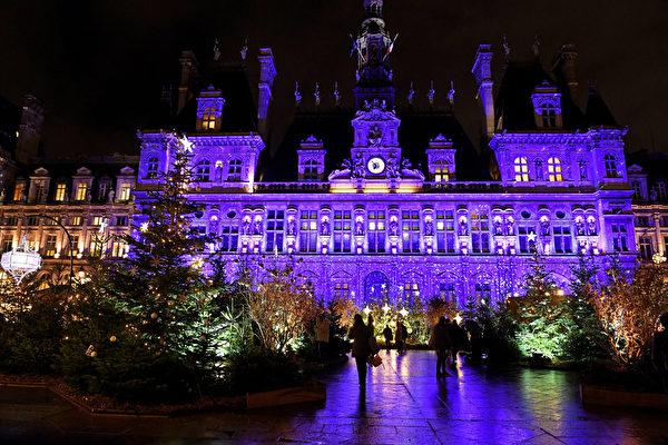 组图:疫情下巴黎城圣诞灯饰添节庆氛围