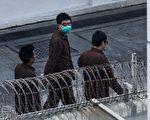 港警拘捕53名泛民人士 搜查黃之鋒住所