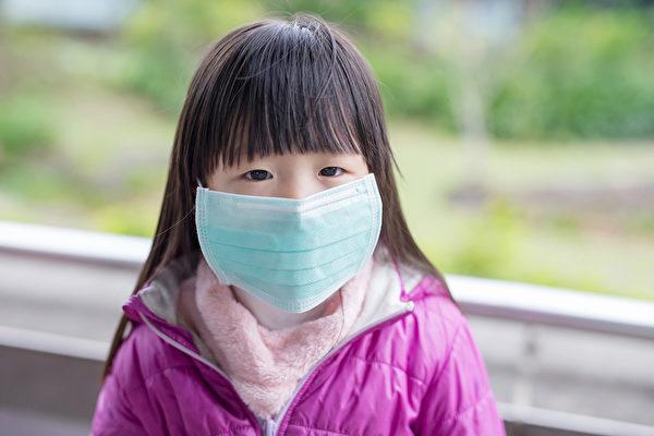 如果孩子確診了,應該隔離多久?其他家人需要隔離嗎?(Shutterstock)