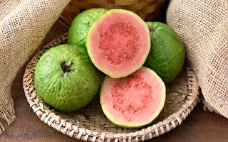 維生素C、維生素E等營養素有益抗老,對皮膚特別好。(Shutterstock)