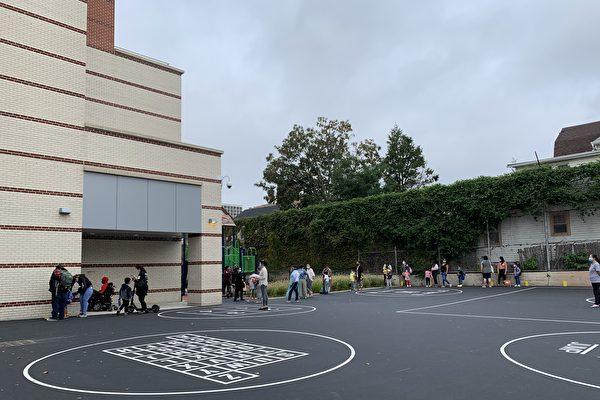 公校染疫人数增多 纽约市200多座教学楼关闭