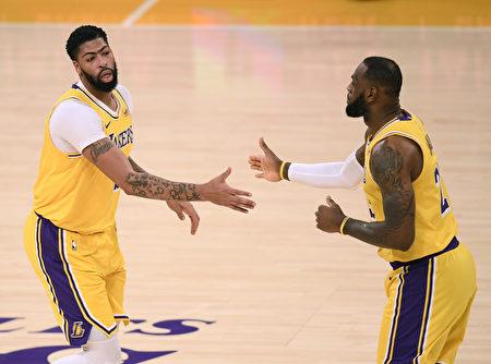 NBA双星决胜节逞威 湖人豪取4连胜