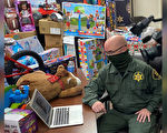 47年前遭弃 加州副警长回馈庇护所大量礼物