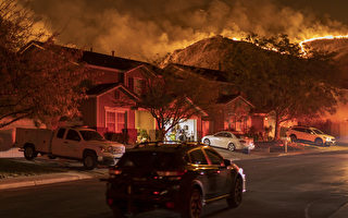河濱縣爆博尼塔火 延燒600英畝 居民撤離