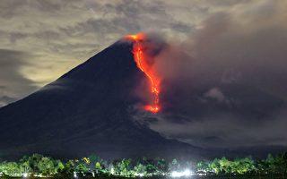 組圖:印尼塞梅魯火山噴發 灰燼達3.5英里高