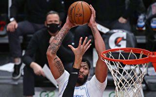 NBA湖人客場9連勝 「三巨頭」籃網獲首勝
