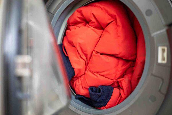 冬季大衣聪明洗 掌握技巧不用干洗也如新品