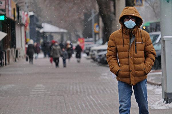英國變種病毒帶來第二波疫情表現出的症狀,與之前有明顯不同。(Shutterstock)