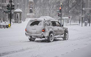 美中西部地区被大雪覆盖 交通受阻