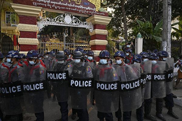 英国加拿大制裁缅甸将领 美促北京谴责政变