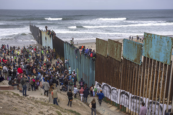 德州议员警告:一周万人被捕 边境会爆发危机