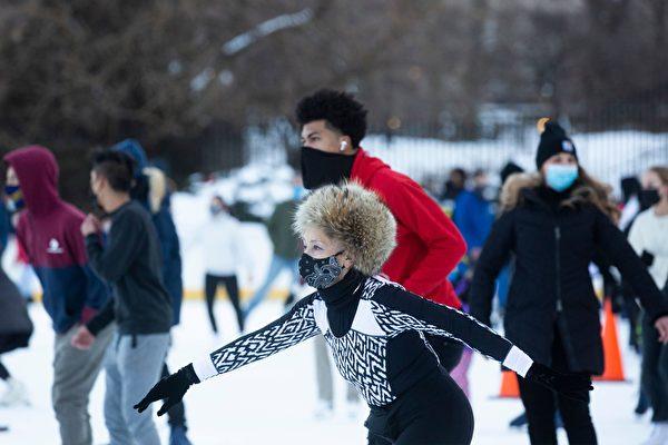 """""""制裁川普""""被骂翻 纽约市继续开放滑冰场"""