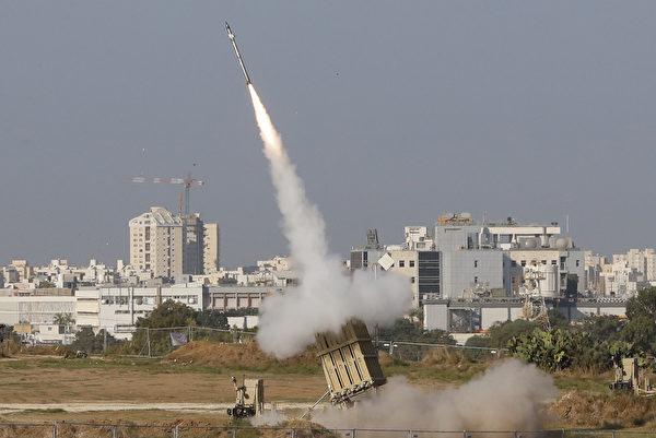 以色列的鐵穹發導彈系統,用於導彈末端攔截。(Jack Guez/AFP via Getty Images)