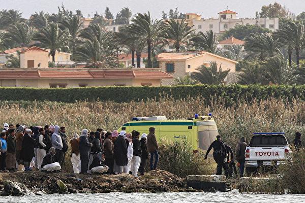組圖:埃及船隻發生翻覆意外 至少12人死亡