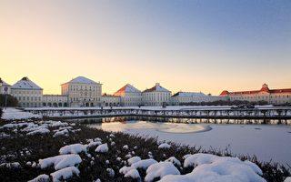 組圖:瑞雪陪襯 晚霞輝映中的慕尼黑寧芬堡王宮