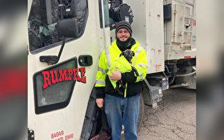 小狗遭弃路边险被压扁 垃圾车驾驶奇迹救援