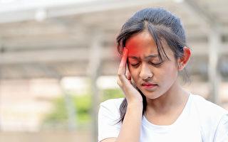 偏頭痛雖然不是會危及生命的疾病,但伴隨的症狀非常多。(Shutterstock)