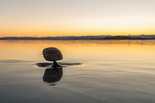 """俄罗斯奇特的自然景观──""""贝加尔湖禅"""""""