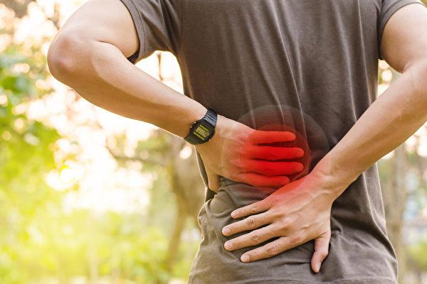 正确补充营养素,可以帮你放松肌肉、改善激痛点的疼痛。(Shutterstock)