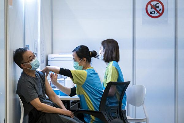 中国接种率低 科兴疫苗强推香港9天3人亡