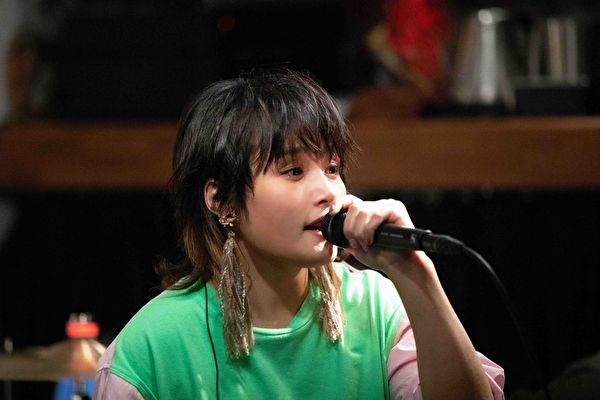 台原民歌手马晓安首开个唱 邀柯泯薰同台唱和